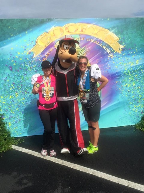 We couldn't leave without a picture with Goofy!